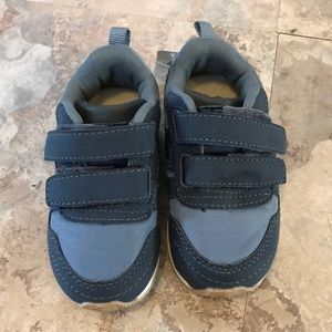 NWT Baby Gap size 6 toddler sneakers
